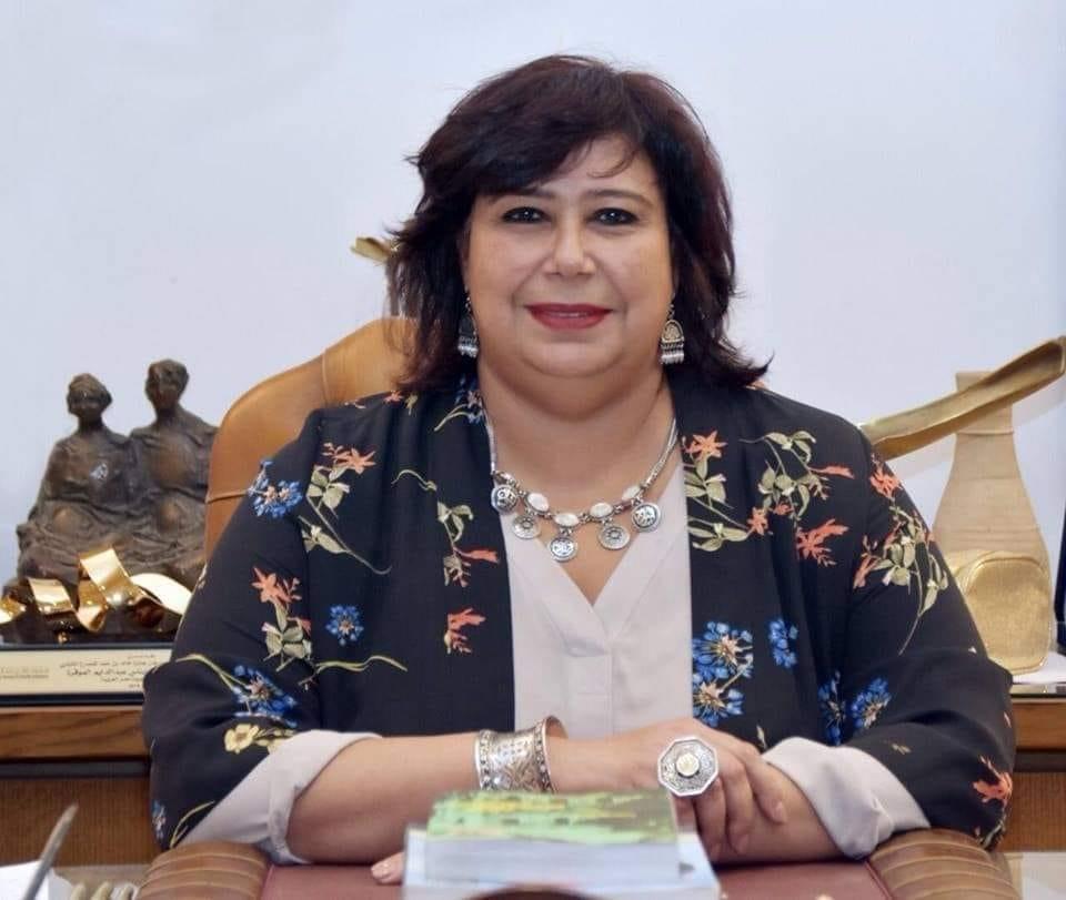 • وزيرة الثقافة تطلع على استراتيجية عمل القومي للترجمة  مشروعات التطوير